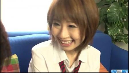 นักเรียนญี่ปุ่นตัวเล็ก แต่นมไม่เล็กนะจ๊ะ