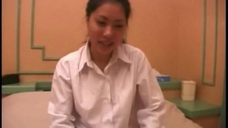สาวญี่ปุ่น ให้เย็ดฟรีถึงที่บ้าน นมใหญ่น่าเย็ดไม่เบา