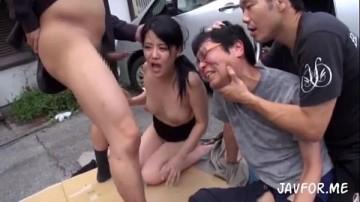 สุดสลด หนุ่มโดนบังคับให้มองดูเมียตัวเองถูกข่มขืน รีบดูเลยครับแนวนี้อยู่ไม่นาน